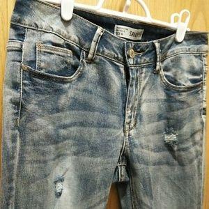 NWOT Sandpiper Distressed Light Wash Skinny Jeans